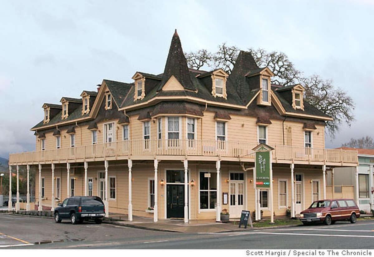Exterior of the Hopland Inn