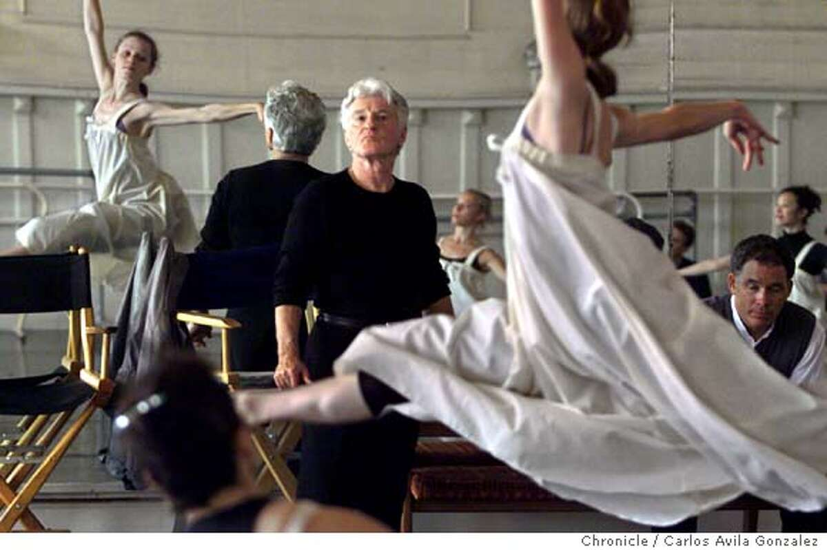 SMUIN A/C/12OCT99/DD/CG --- Smuin Ballet director, Michael Smuin, watches dancers perform during a practice session of his new production, Les Noches, on Tuesday, October 12, 1999, at the San Francisco Academy Ballet. (CARLOS AVILA GONZALEZ/SAN FRANCISCO CHRONICLE) Ran on: 04-24-2007 Michael Smuin died Monday in his dance studio. Ran on: 04-24-2007 Michael Smuin died in his S.F. dance studio.