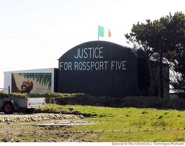 The Rossport Five get community support for bucking the Irish government and a international natural gas consortium. Photo by Veronique Mistiaen, special to the Chronicle