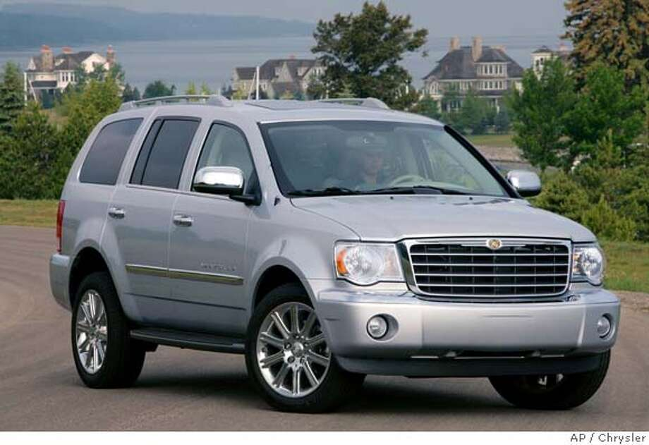 chrysler 39 s aspen an suv for the big family truck based model roomy able to seat 8 passengers. Black Bedroom Furniture Sets. Home Design Ideas