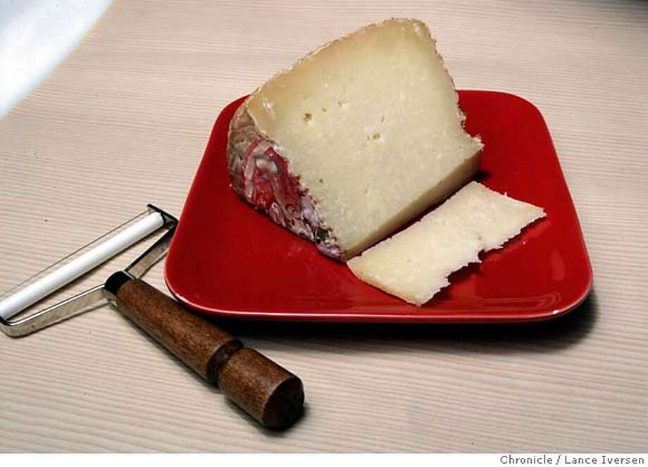 how to serve moliterno cheese