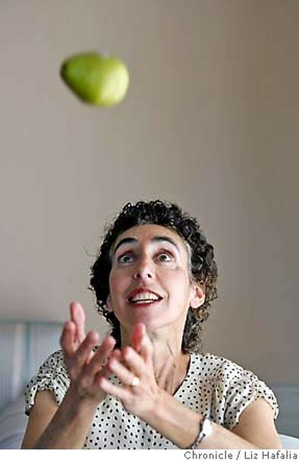 JA_WOLDOW_023_LH_.JPG A Jefferson Award profile on Dana Woldow, chair of the San Francisco Unified School District's Student Nutrition and Physical Activity Committee. Liz Hafalia/The Chronicle/San Francisco/4/3/07  **Dana Woldow cq �2007, San Francisco Chronicle/ Liz Hafalia  MANDATORY CREDIT FOR PHOTOG AND SAN FRANCISCO CHRONICLE. NO SALES- MAGS OUT. Photo: Liz Hafalia