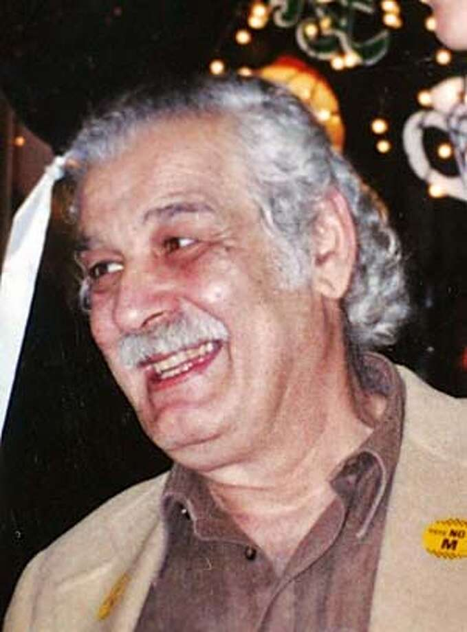 CRASH_0002_fl.jpg ZAREH SOGHIKIAN, copy photograph. Pickup truck booked vehicular manslaughter charges after he flees the scene of a minor crash and plows in a taxi cab, killing the diver and one of three passengers. 10/11/05 San Francisco CA The San Francisco Chronicle Photo: Ho