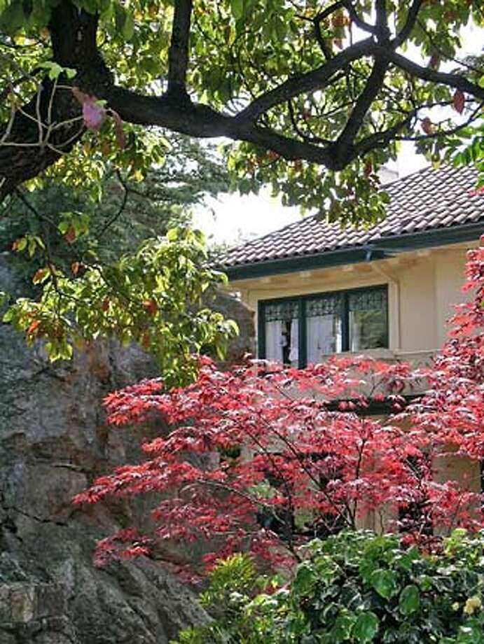 Berkeley Architectural Heritage tour on May 6 will explore homes and gardens integrated with large rocky outcroppings.