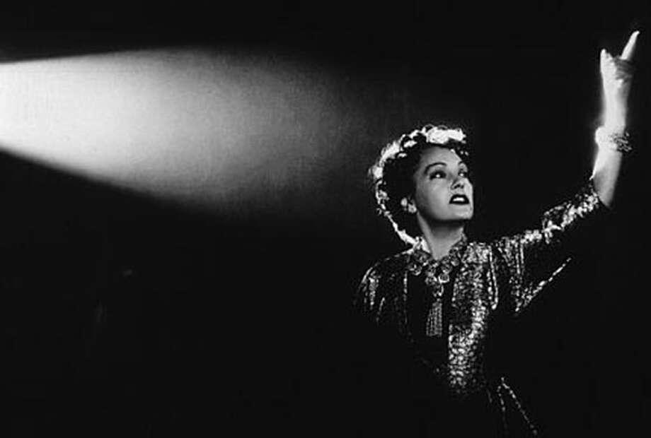 "/ for: Sunday Datebook Gloria Swanson in ""Sunset Boulevard'' Photo: Michael D. Dennis"