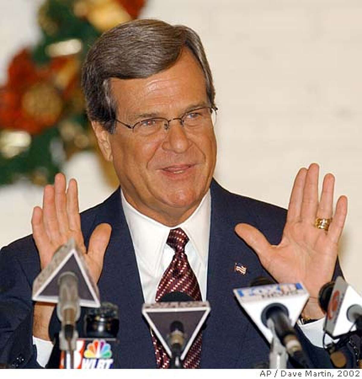 ALLU.S. Sen. Trent Lott, R-Miss., talks with reporters during a news conference in Pascagoula, Miss., on Friday, Dec. 13, 2002. Lott once again apologized for remarks he made during a birthday celebration for retiring U.S. Sen. Strom Thurmond. (AP Photo/Dave Martin) 1/1/03 Ran on: 04-03-2005 Sen. Trent Lott, R-Miss., has pledged to oppose any military base closure plans, particularly in Mississippi. CAT