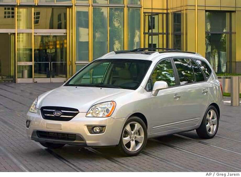 This undated photo provided by KIA shows the 2007 Kia Rondo. (AP Photo/Kia, Greg Jarem) NO SALES Photo: Greg Jarem