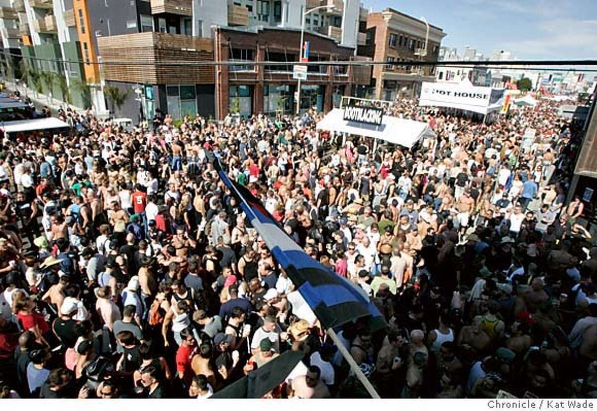 On 9/25/04 in San Francisco an estimated 200,000 (PLEASE CHECK THIS FIGURE) pass through the 22nd Annual Folsom Street Fair for those with leather and lace fettishes and lots of tourist that filled several blocks of Folsom Street Sunday afternoon. Kat Wade/ The Chronicle