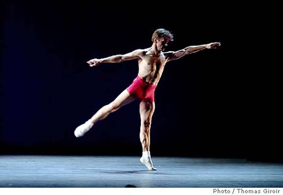 "For MISHA23, Datebook ; To run with Roca's review of ""Solos with Piano or Not�an Evening of Music and Dance""  (Baryshnikov solo performance with pianist Koi Attwood) at Cal Performances June 20. 2003. Photo / Thomas Giroir. Pictured is Mikhail Baryshnikov in ""Opus One,"" choreographed by Lucinda Childs ; Inserted into mediagrid on 5/21/03 in . Thomas Giroir / HO Photo: Thomas Giroir"