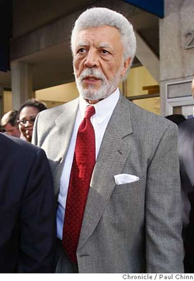 Mayor Ron Dellums� staff has indicated that Oakland�s zoning should not be decided on a project-by-project basis. Chronicle photo by Paul Chinn