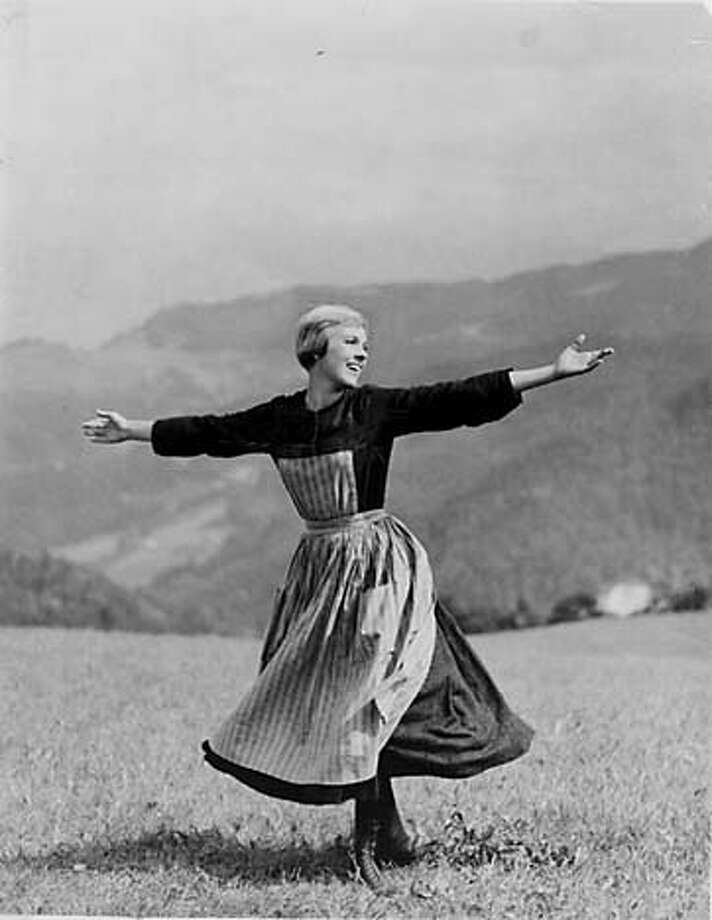 THIS IS A HANDOUT IMAGE. PLEASE VERIFY RIGHTS. SOUNDOFMUSIC-C-25MAR02-SP-HO -- Julie Andrews in the Sound of Music. Photo: Handout