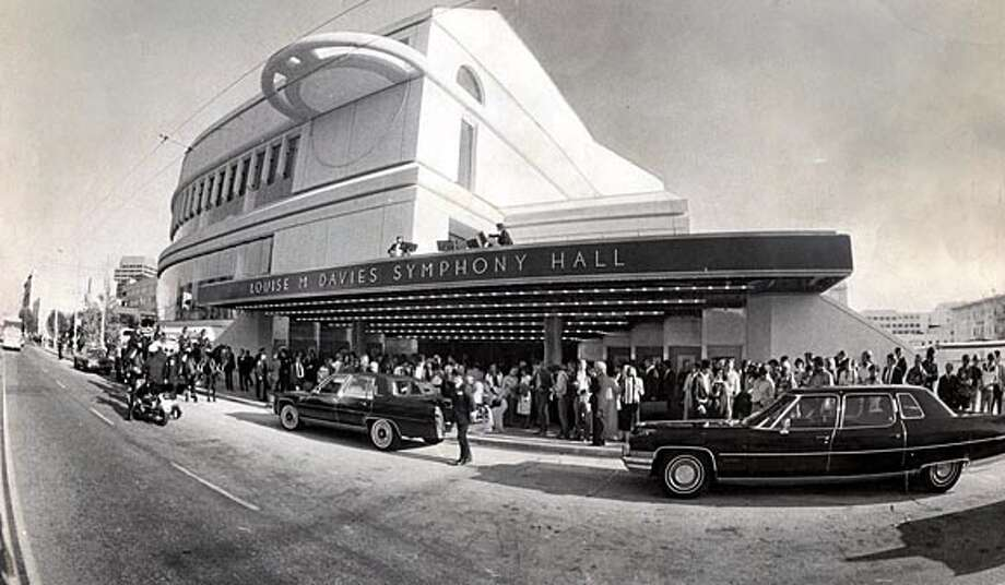 After years in the Opera House, the San Francisco Symphony premieres in Davies Hall. Chronicle file photo, 1980, by Frederic Larson