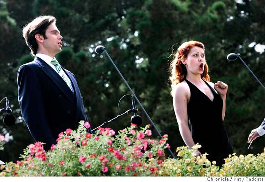 "OPERAPARK_075_RAD.JPG Opera in the Park, Sharon Meadow Golden Gate Park. SHOWN: Thomas Glenn (L) and Nikki Einfeld singing Beethoven's ""Jetzt, schatzchen, jetzt sind wir allein"" from Fidelio. Photo taken on 9/11/05, in San Francisco, CA.  By Katy Raddatz / The San Francisco Chronicle MANDATORY CREDIT FOR PHOTOG AND SF CHRONICLE/ -MAGS OUT Photo: Katy Raddatz"