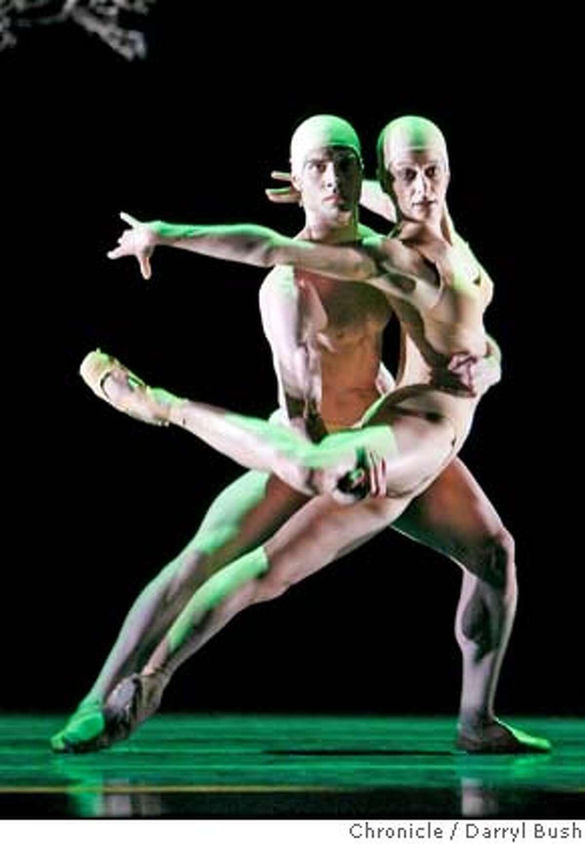 sfballet_0001_db.JPG Gonzalo Garcia and Muriel Maffre dance in