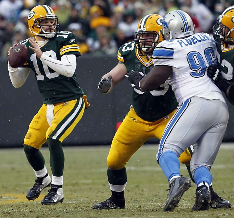 Green Bay Packers quarterback Matt Flynn, seen in this January 1, 2012 file photo, will be free to sign with any team. (Mark Hoffman/Milwaukee Journal Sentinel/MCT) Photo: Mark Hoffman, McClatchy-Tribune News Service