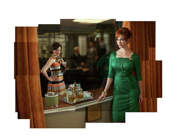 (Front) Peggy Olson (Elisabeth Moss) and Joan Harris (Christina Hendricks- (Back) Roger Sterling (John Slattery), Pete Campbell (Vincent Kartheiser) and Don Draper (Jon Hamm) - Mad Men - Season 5 - Gallery - Photo Credit: Frank Ockenfels/AMC Photo: Frank Ockenfels/AMC