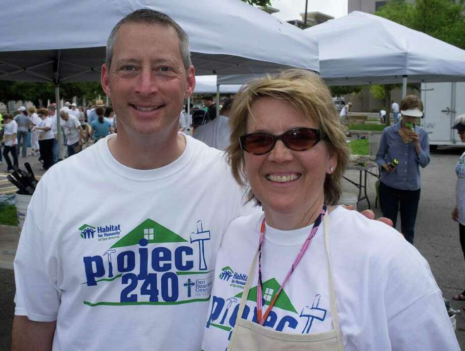 From the left, Trey Little and Holly Youngquist at the First Presbyterian Church Project 240 Habitat for Humanity Build, Sunday, March 18, 2012 in the church parking lot. Photo: J. Michael Short , FOR THE EXPRESS-NEWS / THE SAN ANTONIO EXPRESS-NEWS