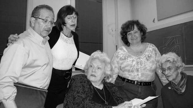 "The Extended Run Players -- including, from left, Ray Baird, Jo Grabow, Bettye Jo Shryock, Diana Sarfin, and Anne Collins -- rehearse John Igo's ""Tomorrow and Tomorrow."" Courtesy John O'Neill"