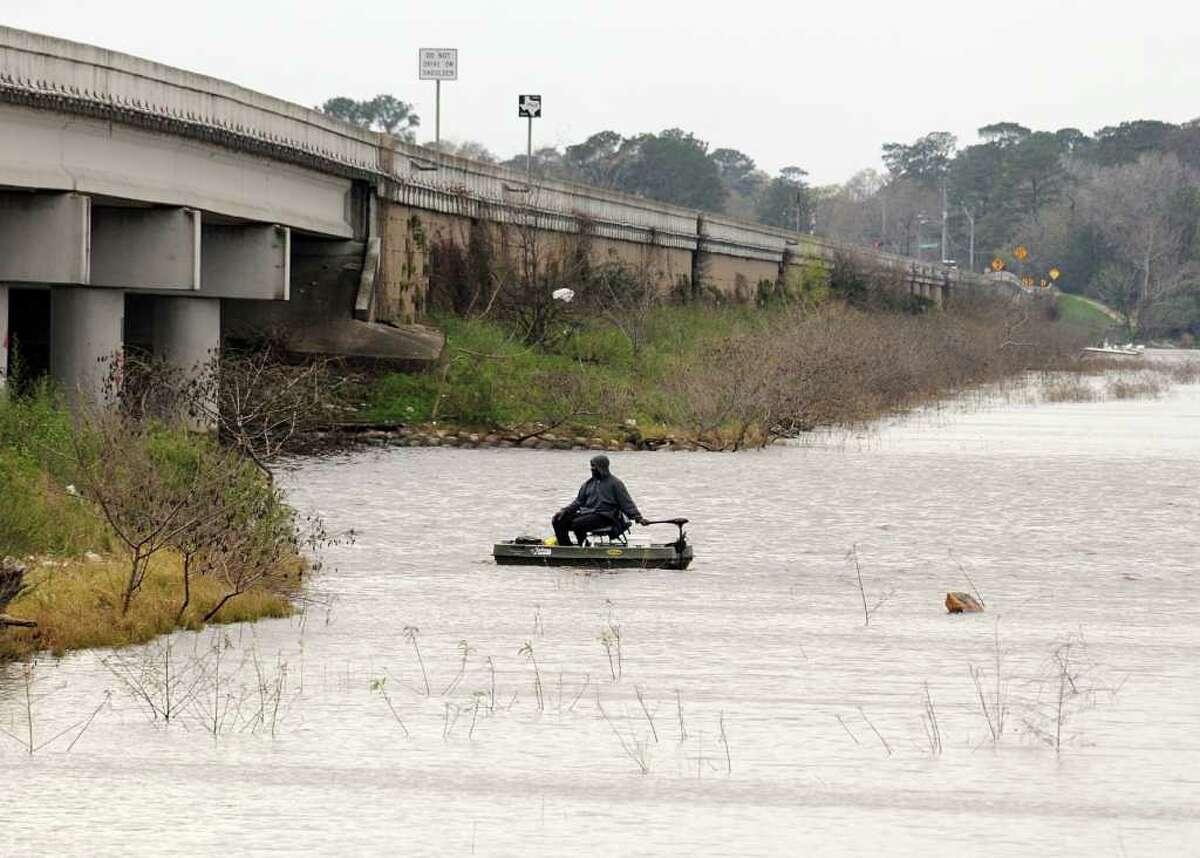 Lake Houston 22 miles northeast of downtown Houston Bass, Florida Largemouth - 2016 (80,041 Fingerling) Bass, Palmetto - 1998 (62,236 Fingerling) Bass, Striped - 1990 (122,879 Fingerling) Catfish, Channel - 1973 (35,000)
