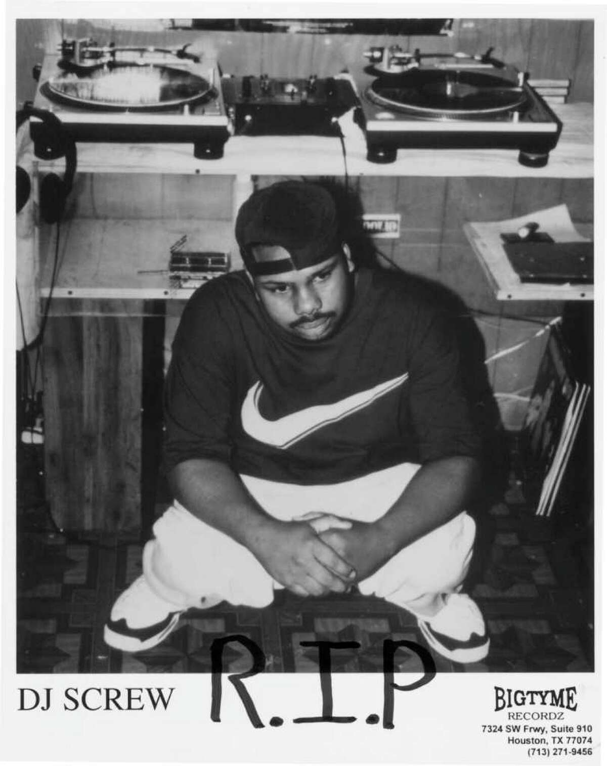 11/00 DJ Screw publicity photo with R.I.P. written on it w/ marker, 4 days after he died
