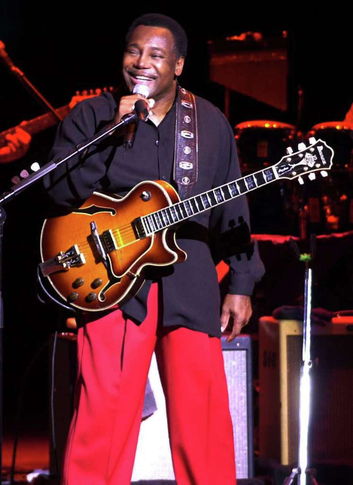Times Union Photo by James Goolsby July 1, 2001-George Benson, Guitar Great ! Performs at the Freihoffer Jazz Festival at SPAC. Saratoga Springs , N.Y.