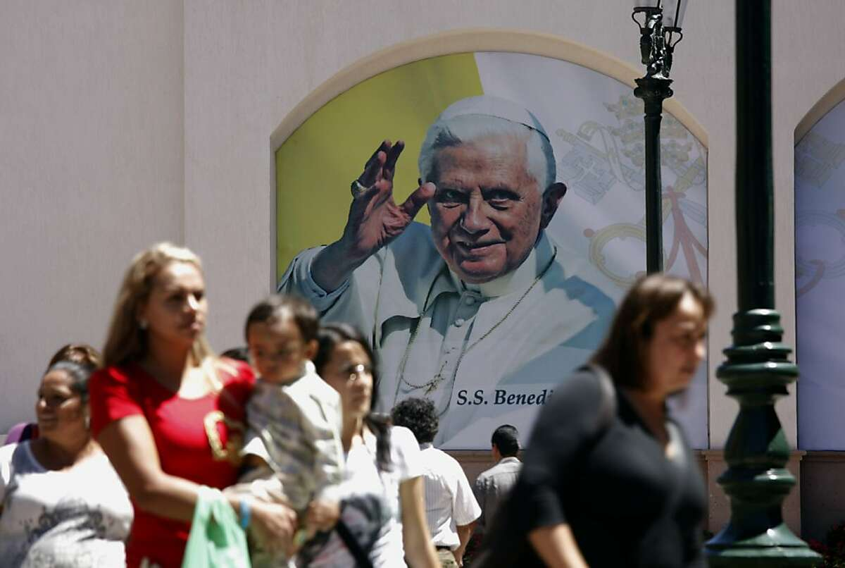 Preparations are underway in Leon, Mexico, as the city readies itself on Wedesday, March 21, 2012, for the visit of Pope Benedict XVI. Images of the pontiff are on display throughout the city of Leon in the state of Guanajuato ahead of his Friday arrival. (Michael Robinson Chavez/Los Angeles Times/MCT)