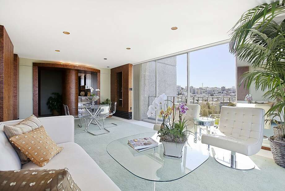 The coop unit at 1050 North Point St. in S.F. includes two bedrooms, two bathrooms and great views. It's listed for $949,000. Photo: OpenHomesPhotography.com