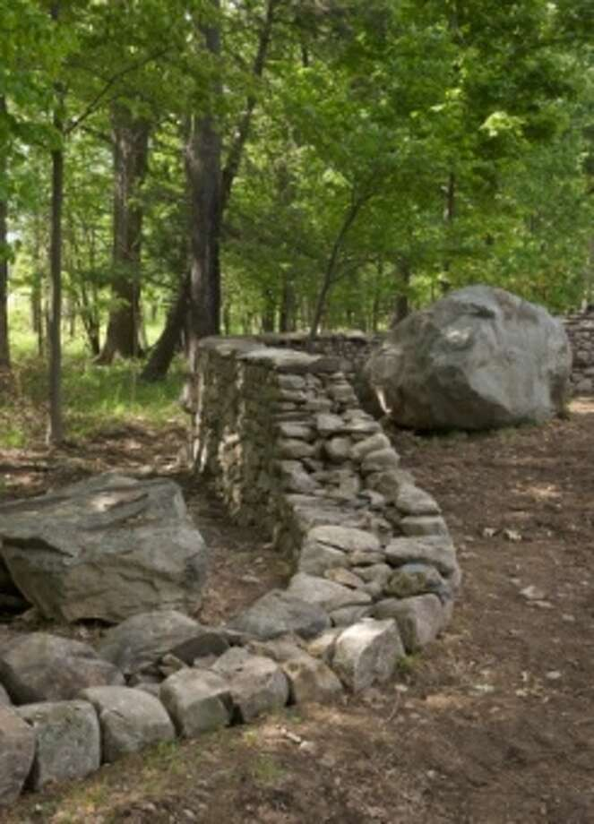 """Andy Goldsworthy's """"Five Men, Seventeen Days, Fifteen Boulders, One Wall,"""" 2010, Storm King Art Center (Jerry L. Thompson photo)"""