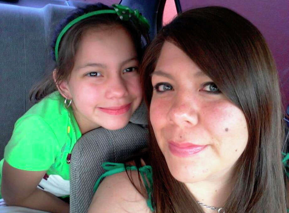 Jessica Rodriguez, 28, and her 10-year-old daughter Kaylee Flores were fatally struck by a suspected drunken driver on the North Side interstate early Thursday. Courtesy photo. Photo: COURTESY PHOTO