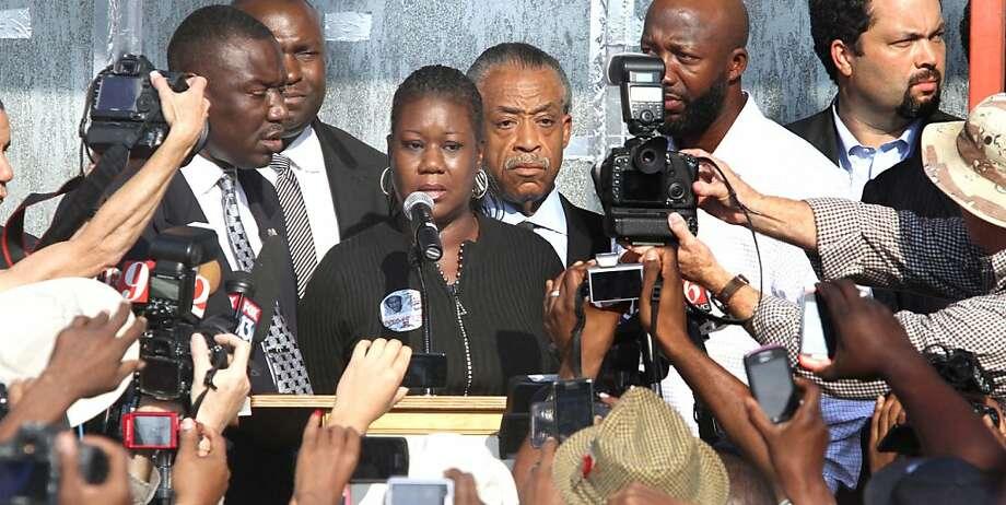 Sybrina Fulton, mother of Trayvon Martin, addresses the media at Fort Mellon Park in downtown Sanford, Florida, Thursday, March 21, 2012.  (Joe Burbank/Orlando Sentinel/MCT) Photo: Joe Burbank, McClatchy-Tribune News Service