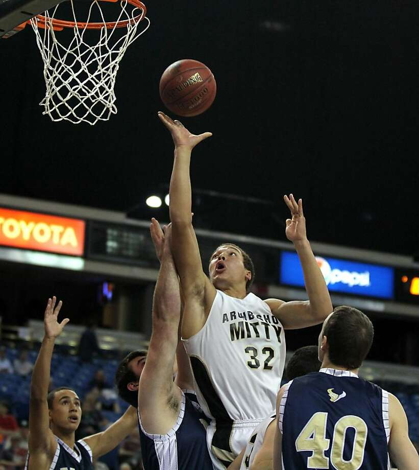 Mitty forward Aaron Gordon scores two of his 33 points against La Costa Canyon on the way to a repeat state title. Photo: Lance Iversen, The Chronicle