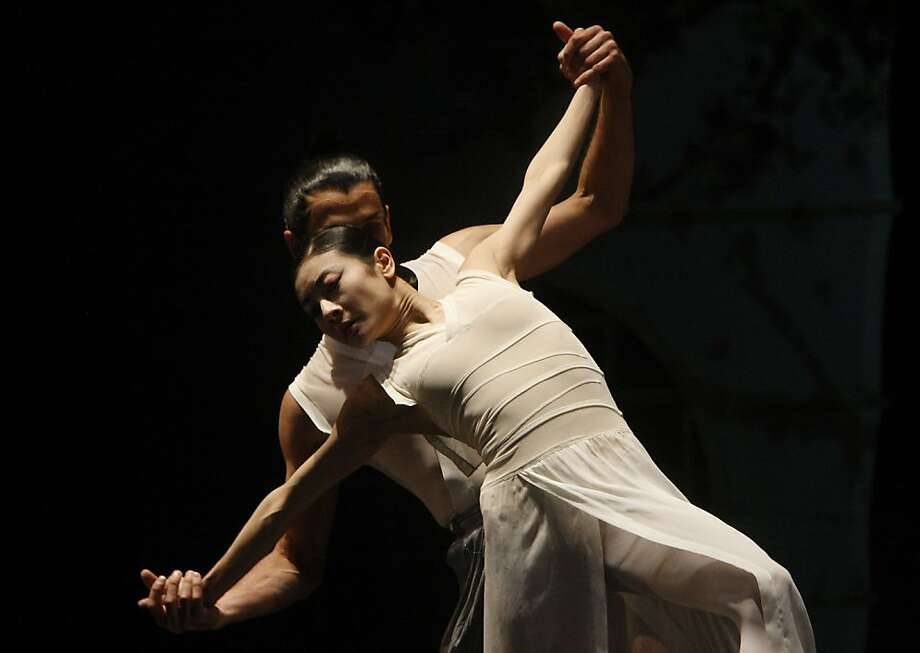 Yuan Yuan Tan (left) and Damian Smith in the performance of Raku at San Francisco Ballet on Friday, March 23, 2012 Photo: Siana Hristova, The Chronicle