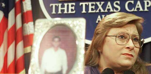 Sally Belinda Gonzales, sister of Texas Death Row inmate Johnny Paul Penry, shown in the foreground photo, speaks during a news conference where she pleaded for her brother's life, Wednesday, Nov. 15, 2000, in Austin, Texas.  Penry is scheduled to be executed Thursday for raping a woman and stabbing her to death at her East Texas home in 1979. (AP Photo/Harry Cabluck) Photo: HARRY CABLUCK, Wire / AP