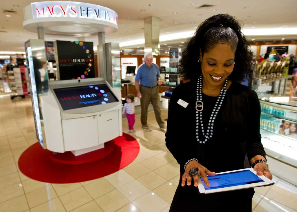Macy's Black Friday store hours begin on Thanksgiving ...