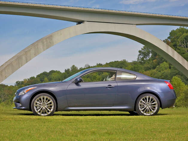 2012 Infiniti G37x Coupe (photo courtesy Infiniti)