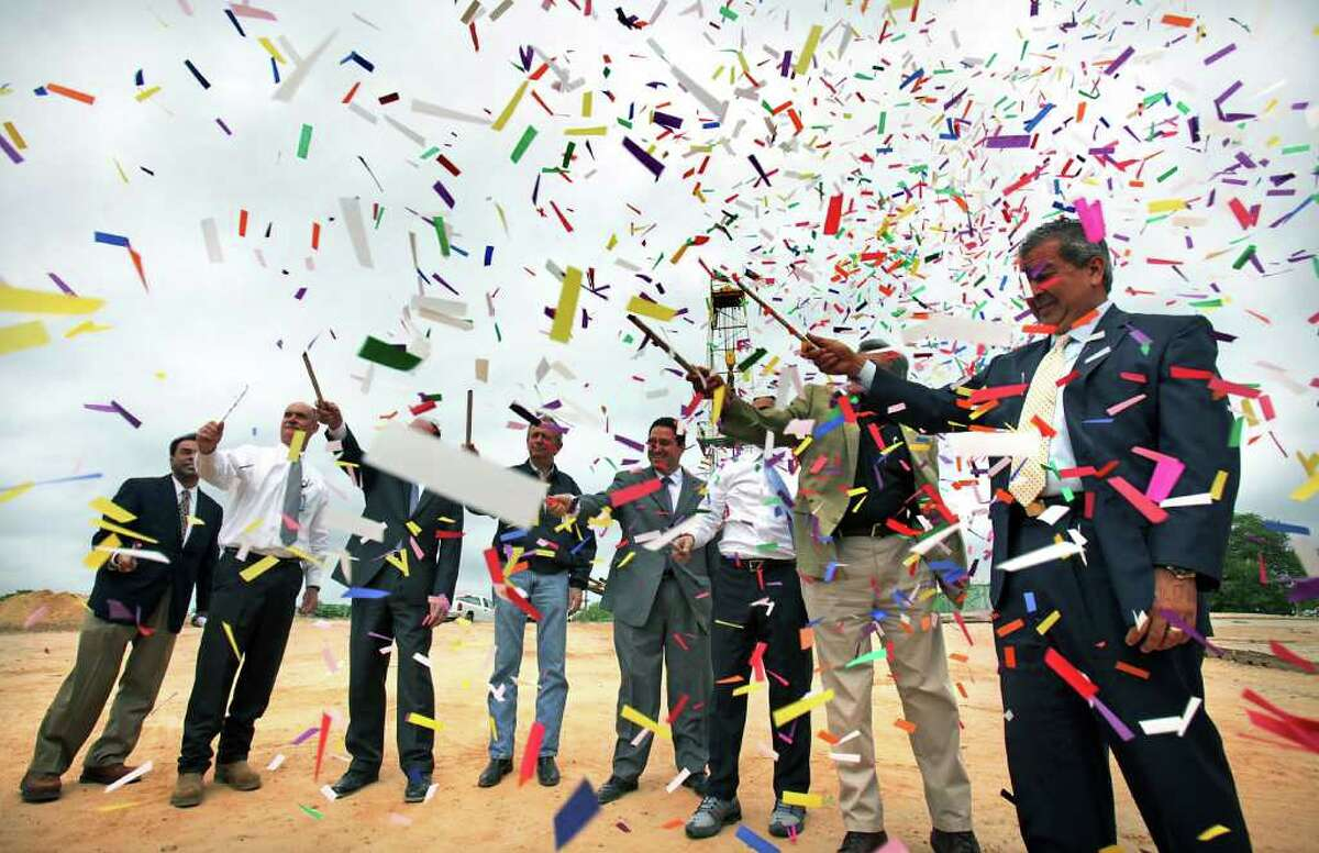SAWS personnel and dignitaries celebrate the dedication of Drill Site No. 2 on Tuesday, March 27, 2012. On hand were Greg Flores, SAWS vice president, public affairs (from left); Steve Clouse, SAWS COO; Chuck Ahrens, SAWS vice president; state Sen. Jeff Wentworth; state Rep. Trey Martinez Fischer; Mayor Julián Castro; Heriberto Guerra Jr., SAWS chairman; and Robert Puente, SAWS CEO.