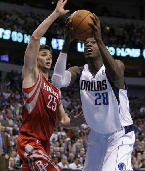Mar. 27: Mavericks 90, Rockets 81 Dallas Mavericks' Ian Mahinmi (28)