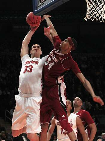 Dwight Powell Photo: Frank Franklin II, Associated Press