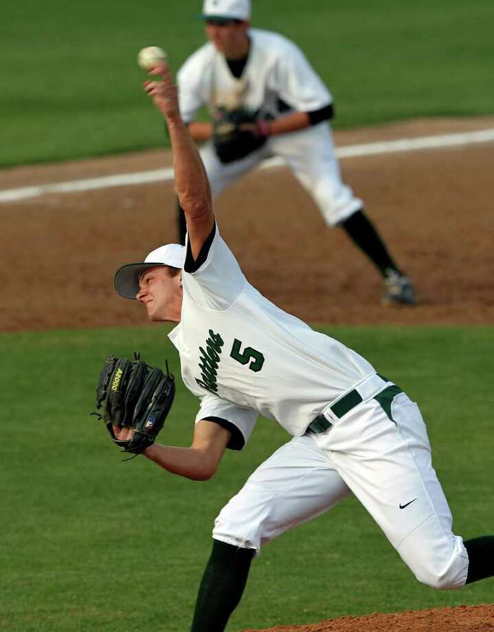 Rattler pitcher Austin Hays works the late innings as Reagan beats Johnson 14-4 at Blossom baseball stadium on March 27, 2012.  Tom Reel/ San Antonio Express-News Photo: TOM REEL, Express-News / San Antonio Express-News
