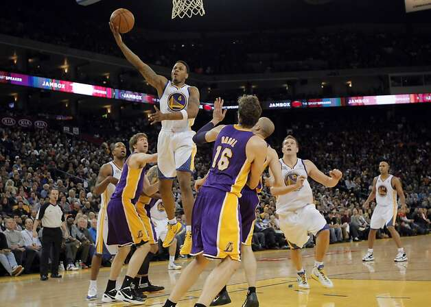 Brandon Rush drives for a basket in the second half. The Golden State Warriors played the Los Angeles Lakers at Oracle Arena in Oakland, Calif,. on Tuesday, March 27, 2012. Photo: Carlos Avila Gonzalez, The Chronicle