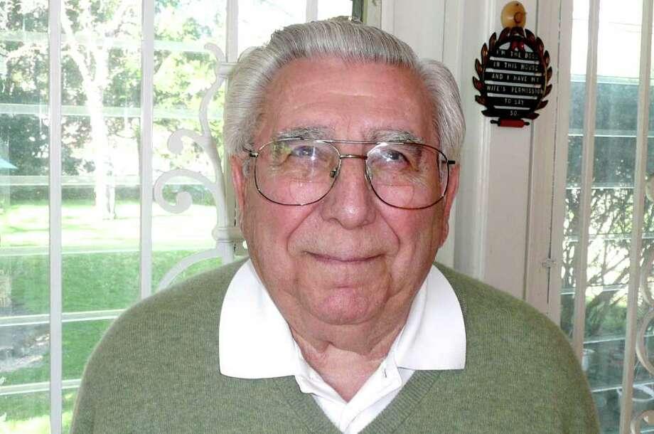 Peter Arturi, 85, speaks to Seniority Photo: Anne W. Semmes