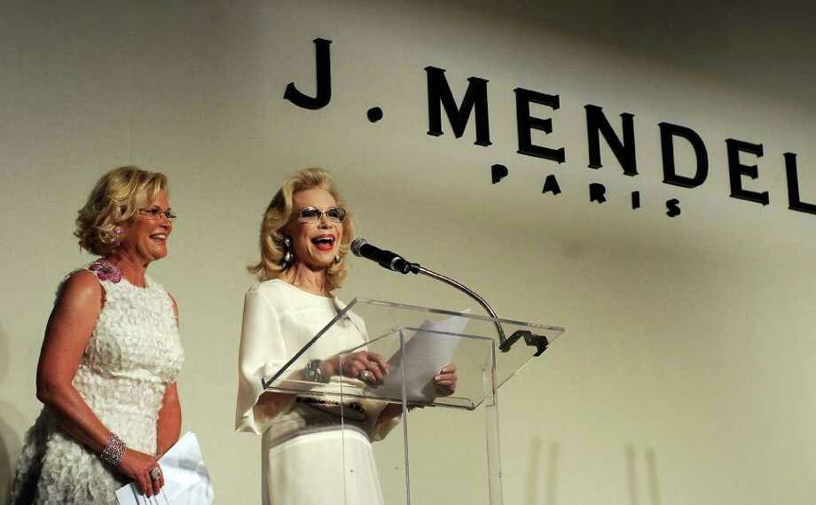 Honorary chair Lynn Wyatt speaks at the 30th Annual Houston Chronicle Best Dressed Luncheon at the Westin Galleria Hotel Wednesday March 28,2012. At left is chair Kelli Blanton. Photo: Dave Rossman, For The Chronicle / © 2012 Dave Rossman