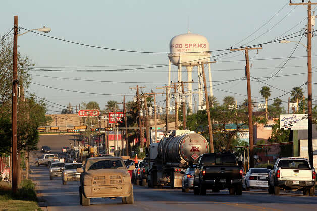 Traffic piles up at along State Highway 85 at the US 83 intersection in Carrizo Springs, Texas, Thursday, March 22, 2112. Traffic is up along most of the roads in the South Texas Eagle Ford Shale play. Jerry Lara/San Antonio Express-News Photo: JERRY LARA, San Antonio Express-News / SAN ANTONIO EXPRESS-NEWS
