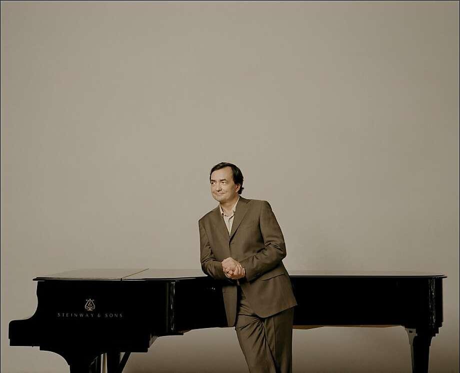 Pianist Pierre-Laurent Aimard Photo: Felix Broede/DG