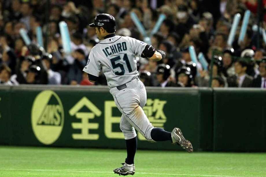 TOKYO, JAPAN - MARCH 28:  Outfielder Ichiro Suzuki #51 of Seattle Mariners runs against the Oakland Athletics at Tokyo Dome on March 28, 2012 in Tokyo, Japan. (Photo by Koji Watanabe/Getty Images) Photo: Koji Watanabe