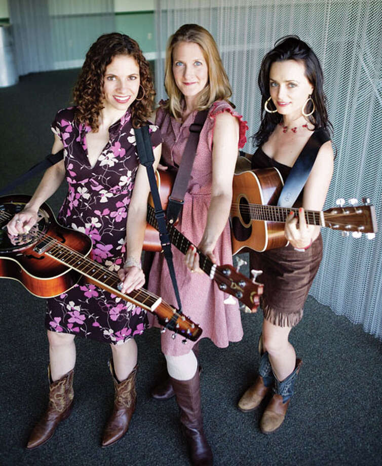 Red Molly encompasses many of this country's musical traditions, from folk, bluegrass and blues to soul, country and pop. (Photo by Annabel Braithwaite)