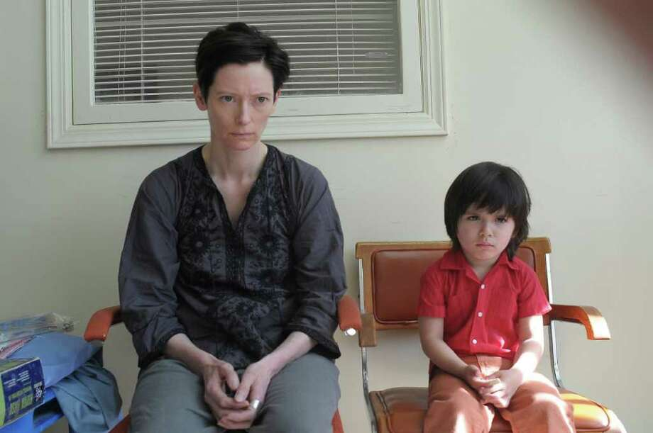 Nicole Rivelli Tilda Swinton and Rocky Duer in WE NEED TO TALK ABOUT KEVIN Photo: Nicole Rivelli Photography / BBC Films  and Kevin production © 2010 photo Nicole Rivelli