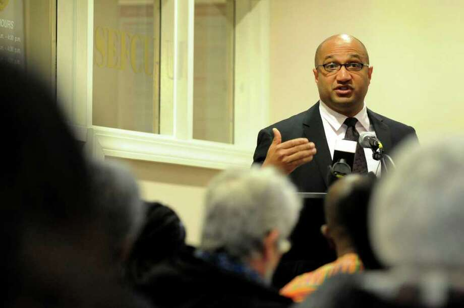 Albany County District Attorney David Soares speaks during a forum on the Grand Jury's decision regarding the death of Nah-Cream Moore on Thursday, March 29, 2012, at Albany Housing Authority in Albany, N.Y. (Cindy Schultz / Times Union) Photo: Cindy Schultz / 00017030A