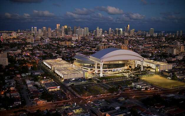 The new Marlins Stadium at sunset on Wednesday, March 14, 2012. Photo: Al Diaz, The Miami Herald