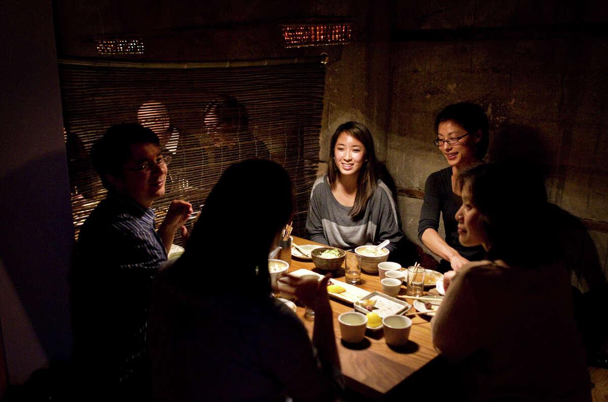 Diners at Ippuku in Berkeley.